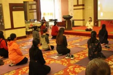 【国际孕妇学校回顾】孕期瑜伽--运动得当 宝宝更加聪明
